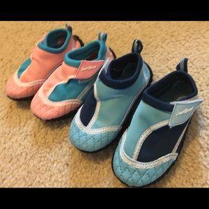 Boy/Girl twin matching water shoes size 6 twins